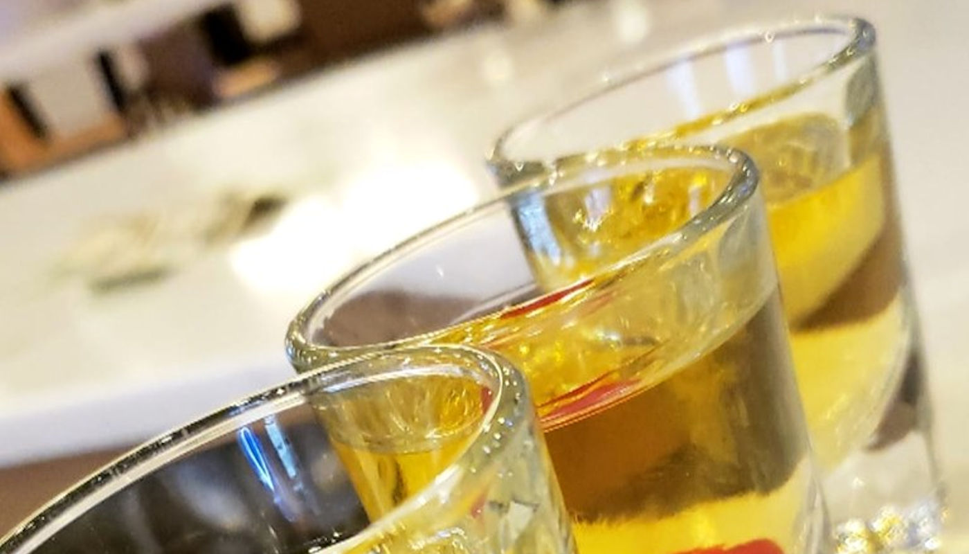 Food and Drink Specials at Shade Bar and Grill Uitca
